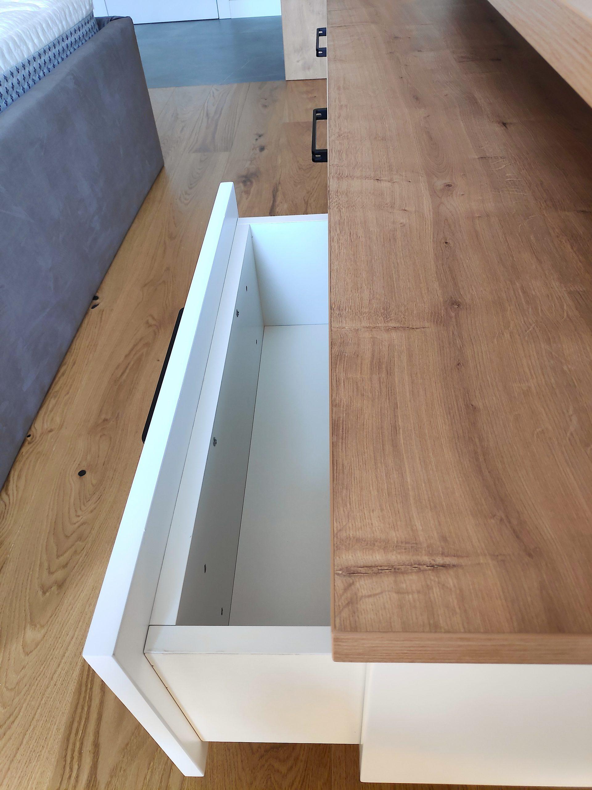 Шкаф спалня отворен 1